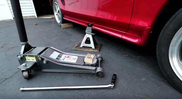 repair a flat tire